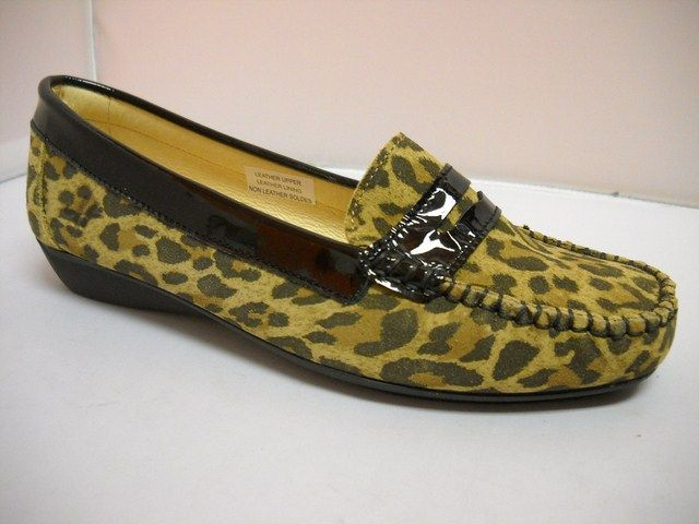 1 Hirica Amelia - Mt W - Hirica Amelia made in France.  Stunning mocassin in beige/leopard print with patent trim.  Sizes range 37-42.