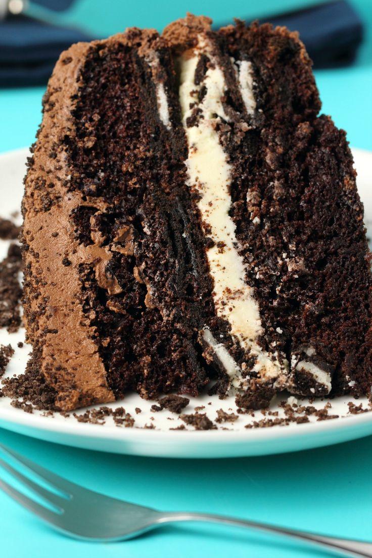 Dieser vegane Oreo-Kuchen sieht aus wie ein riesiger Oreo-Keks! Oreo-Kekse werden in …  – Best Vegan Recipes