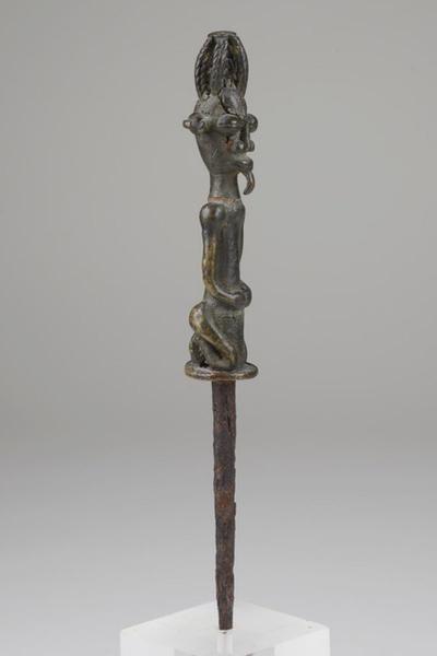 "Lot : Ritual staff ""edan  - Nigeria, Yoruba  -   - brass, dark patina,[...]   Dans la vente Art Tribal à Zemanek-Münster"
