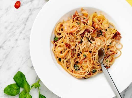 Bönspagetti med heta räkor - Risenta