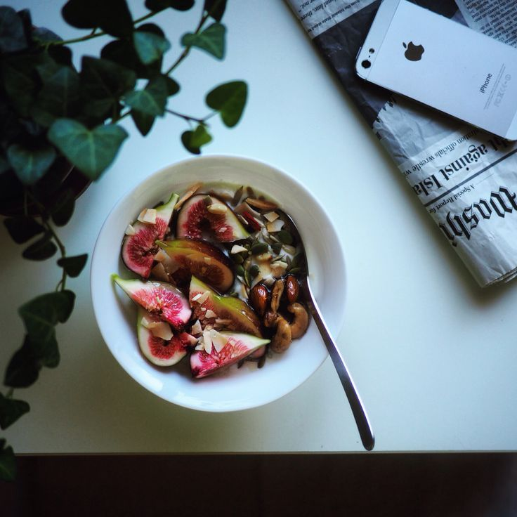 yogurt bowl with fresh figs