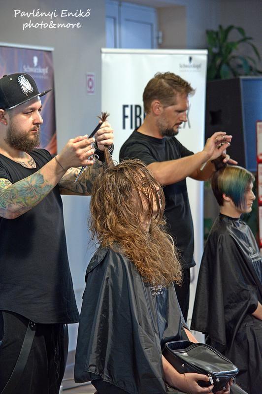 Schwarzkopf Professional ASK Team és hair's[ku:l] roadshow 2016 - divatos frizurák 2016 - 2017   Még több kép: www.szinezdujra.com
