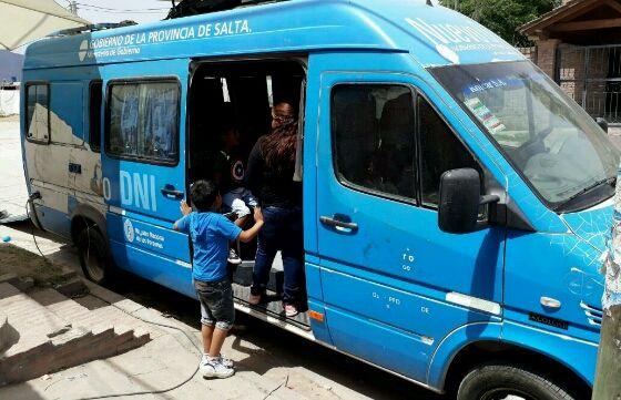 Hasta hoy el móvil de documentación rápida estará en el barrio San Nicolás: Por un pedido de los vecinos, el Registro Civil realiza un…