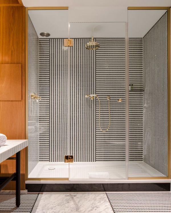 hotel vernet paris design bathroom douche carrelage