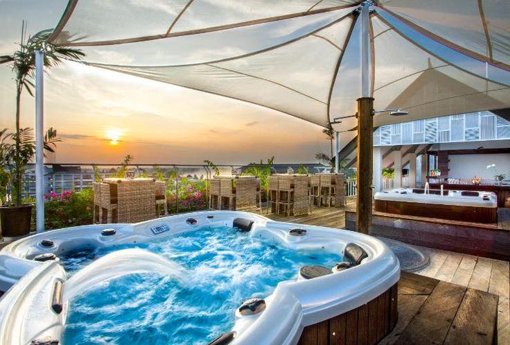 Pilih tempat favoritmu untuk tinggal di Nusa Dua, Bali disini https://www.traveloka.com/hotel/indonesia/area/nusa-dua-107754