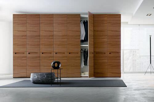 Armadio moderno / in legno / in legno laccato / con porta battente ORIX Napol Arredamenti