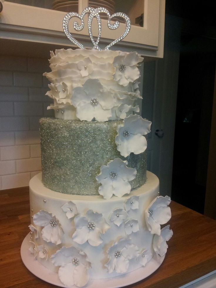 wedding cake with sugar crystals white wedding floral and sugar made by me for my 26969