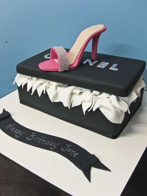 chanel cake...love it: Things Sweet, Amazingcakes Birthdaypartyidea, Shoes Cak, Nice Shoes, Chanel Shoes, Eating Cakes, Shoebox Cakes, Birthday Cakes, Chanel Cakes