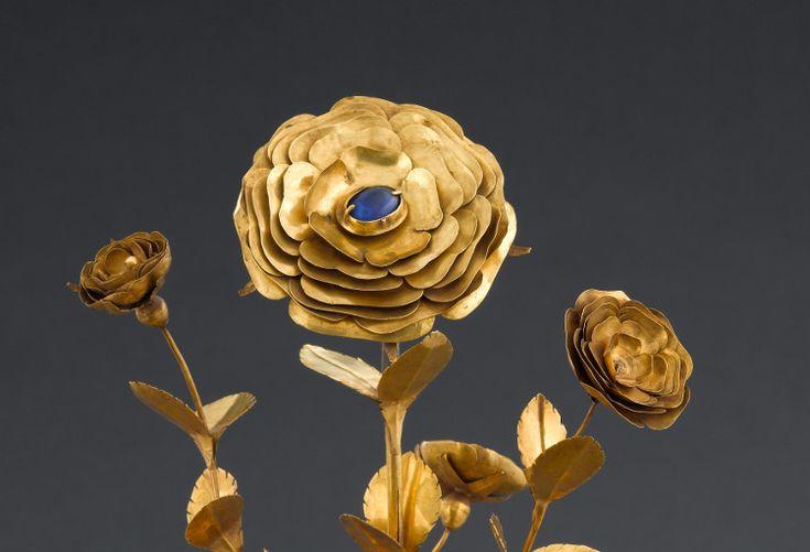 Rose d'or  Detail 2 @ Musée de Cluny