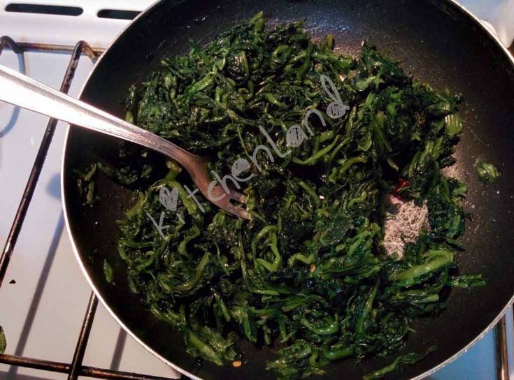 #cicoria #ripassata  #gialloblogs #giallozafferano #ricette #ricettefacili  #ricettadelgiorno  #cucina  #cucinaitaliana  #food  #foodblogger  #foodphotography  #italianfood  #cooking  #contorni