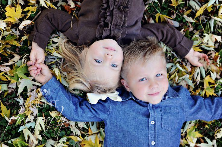 Child - sibling photography -- copyright Kodi Wright Photography