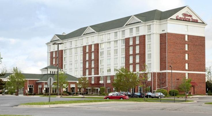 Hilton Garden Inn Hoffman Estates Hoffman Estates Located within driving distance from the attractions of downtown Chicago and just off Interstate 90, this hotel combines state-of-the-art amenities with comfortable accommodations in a convenient location.