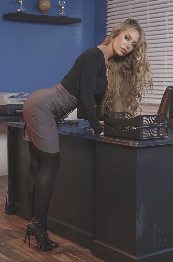 Nicole Aniston | Actresses under 50 in 2019 | Tights ...