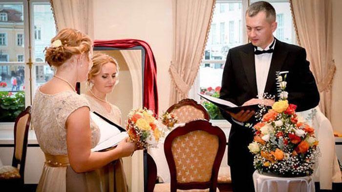 Bikin Heran! Wanita Ini Pilih Menikahi Dirinya Sendiri, Alasannya Bikin Gagal Paham Sob!