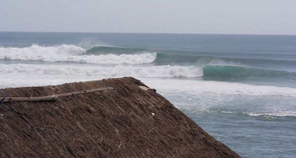 Bali surf - http://mtnweekly.com/travel/surfers-take-note-international-airfare-prices-are-at-an-all-time-low