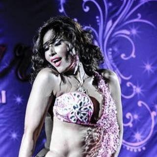 Randa Kamel es, junto a Asmahan y Dina, una de las bailarinas y maestras egipcias más famosas, carismáticas y cotizadas del mundo.