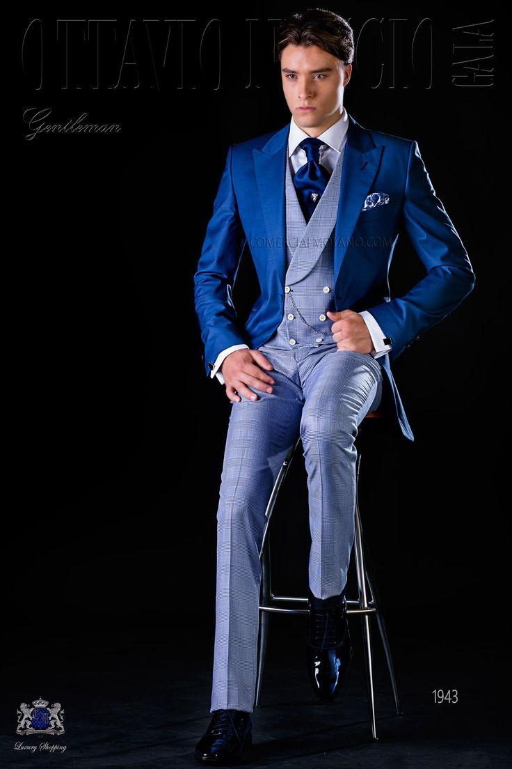 """Costume lévite bleu royal avec revers de pointe et 1 bouton en tissu de laine mélangé avec pantalons """"Prince of Wales"""". Costume de mariage 1943 Collection Gentleman Ottavio Nuccio Gala."""