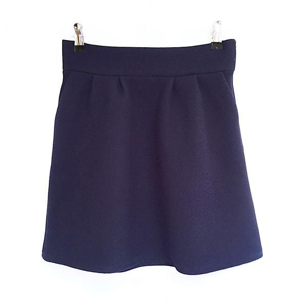 This is a Dedicated, a beautifully cut navy mini skirt! Amazing for office outfits. https://www.beyondyourclouds.com/products/dedicated-skirt