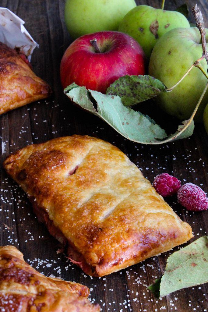 Chaussons aux pommes et aux framboises {vegan} - aime & mange
