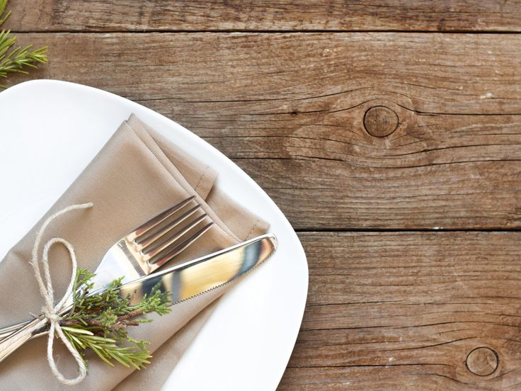 Invite Someone Over! How to Host a Casual Dinner Party in 10 Easy Steps