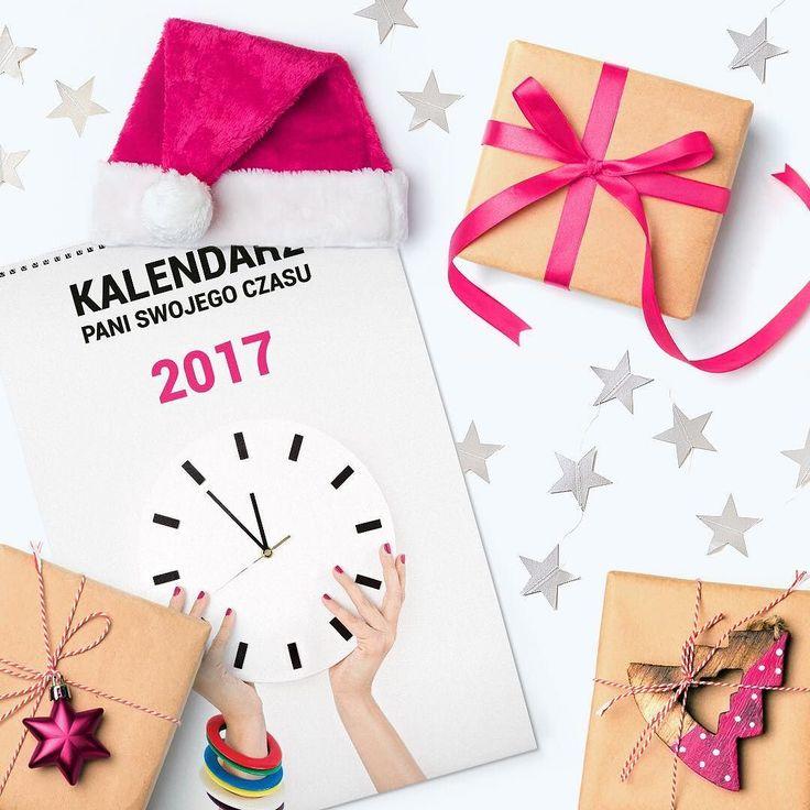 Jest taka sprawa Moje Drogie. Chciałybyśmy podarować kalendarz PSC organizacjom fundacjom stowarzyszeniom itp. wspierającym w taki czy inny sposób kobiety. Czy znacie takie? Czy chciałyby nasz kalendarz? Jeśli tak - to targujcie oznaczajcie i wpisujcie swoje propozycje. Pomóżcie mi wybrać te które wspierają kobiety. 6 grudnia PSC zamieni się w Świętego Mikołaja i będzie wysyłać kalendarze w prezencie do organizacji wskazanych przez Was.