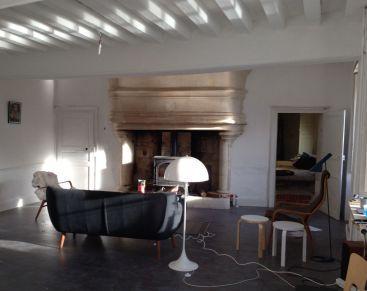 Panthella floor lamp (Louis Poulsen) + AJ florr lamp (Louis Poulsen) + Coogee sofa (Sentou) + Fritz Hansen armchair with sheepskin + stools 60 (Artek) + Lamino armchair (Swedese)