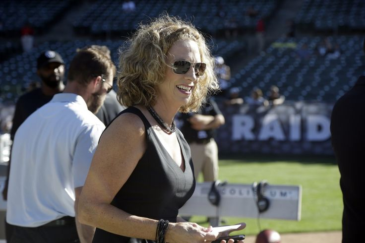 CAs Sorts | NFL's First Lady - Play-by-play announcer Beth Mowins is set to become the first-ever woman to call an NFL game televised nationally — the Los Angeles Chargers vs. Denver Broncos game on Sept. 11.