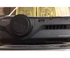 Sony projector S-600 for sale in good amount