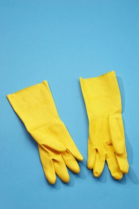 How to clean rubber gloves | eHow UK