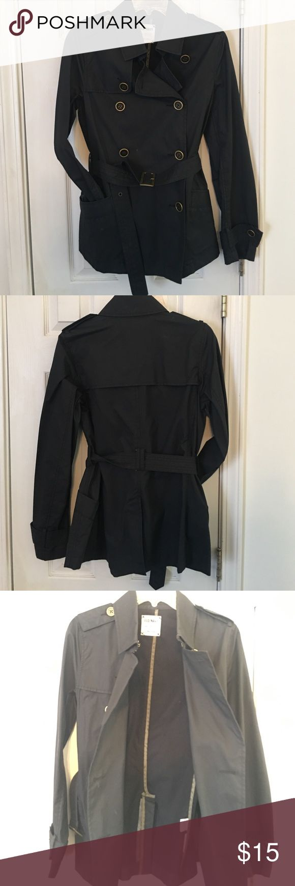 Women's Navy Blue trench Old Navy size M Super cute and chic Old Navy short trench size M. No holes, stains, rips, odors or tears.  Clean inside and out all buttons in tact. Work twice. Old Navy Jackets & Coats Trench Coats