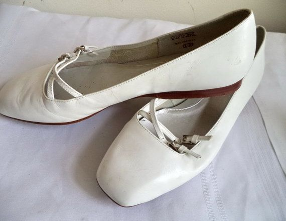 Vintage Angiolini white Leather Ballet Flats by MushkaVintage3
