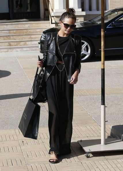 Chrissy Teigen Photos: John Legend & Christine Teigen Do Some Shopping At Barneys
