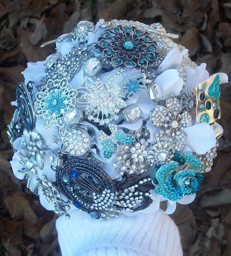 I really want a broach bouquet!