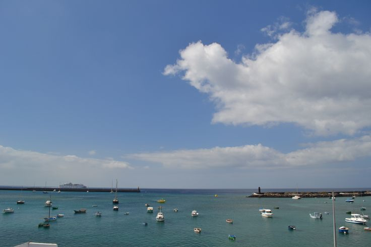 It's partly cloudy today in Lanzarote, there's plenty of sunshine forecast on the east coast for the holiday resorts, cloudier up in the hills and west coast. A north wind 20-25km/h gusts up to 50 km/h. 27 degrees. Image: Arrecife Published: 26 June 2014