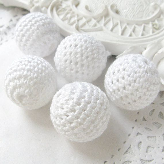 Crochet Beads Wholesale Bulk 30pc/lot 20mm Round White Color Ball Knitting Baby Shower Party Gift Best Present Idea DIY Necklace Wood Cotton
