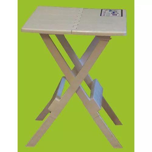 Mesa Plegable De Plástico Portátil Rebatible Tipo Valija - $ 450,00