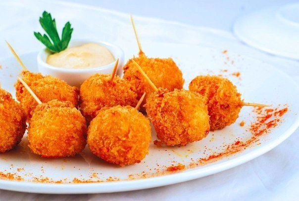 Cheese balls fried with garlic