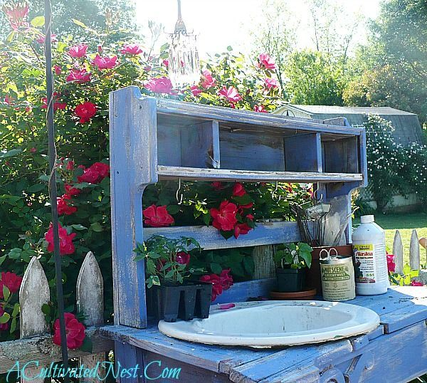 Pretty Potting Bench Ideas Outdoor potting bench, Bench and Garden