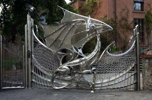 Gartentor Drachen !