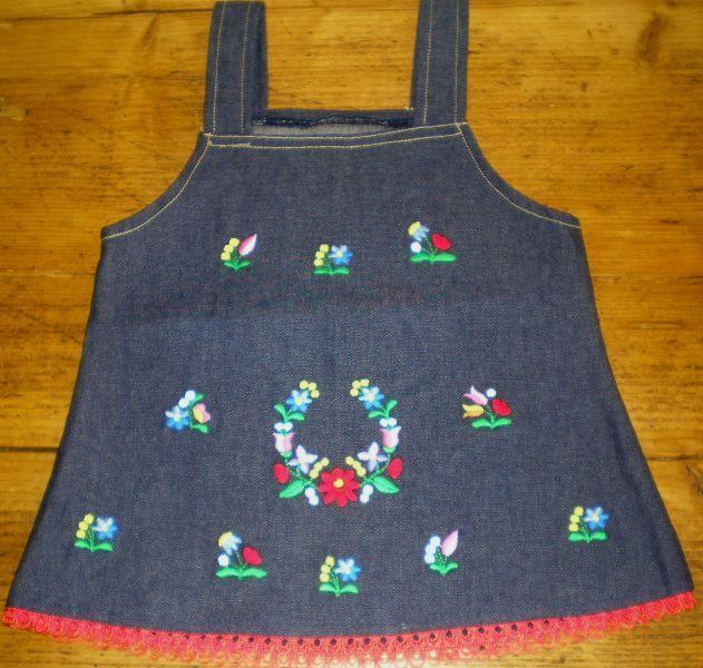 Hungarian dress for children.