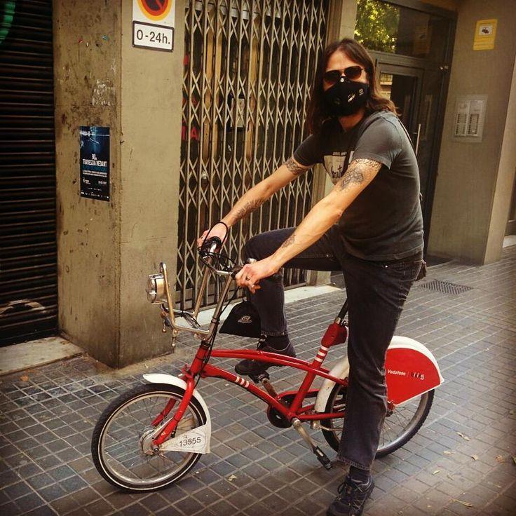 Barcelona style #bikelife #bcn #barcelona #bicing #respro #cycling #street