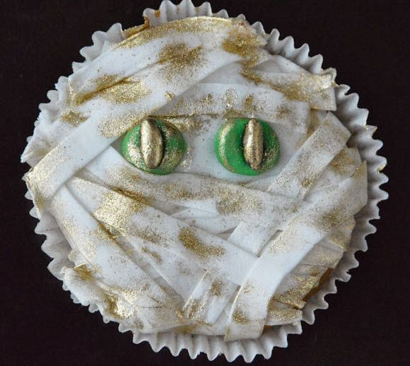 Mummie Halloween cupcakes - Carola Bakt Zoethoudertjes