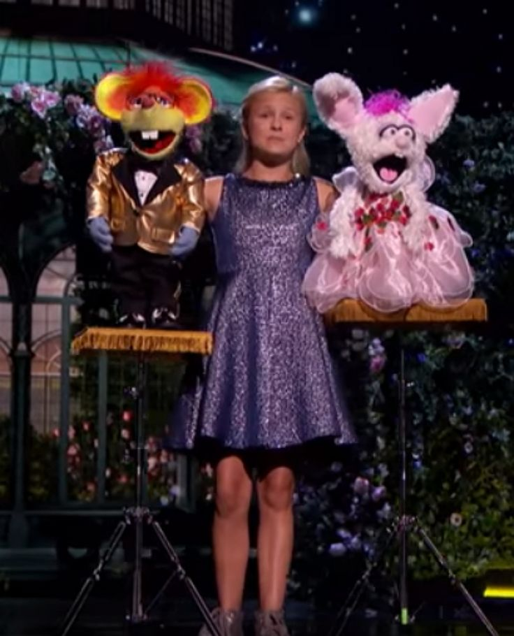 It's down to just two contestants on season 12 of NBC's America's Got Talent and one of those two stars is Darci Lynn Farmer, amazing kid ventriloquist. In her final performance before judges Simon Cowell, Heidi Klum, Mel B and Howie Mandel, Darci Lynne managed to come up with yet another spectacula