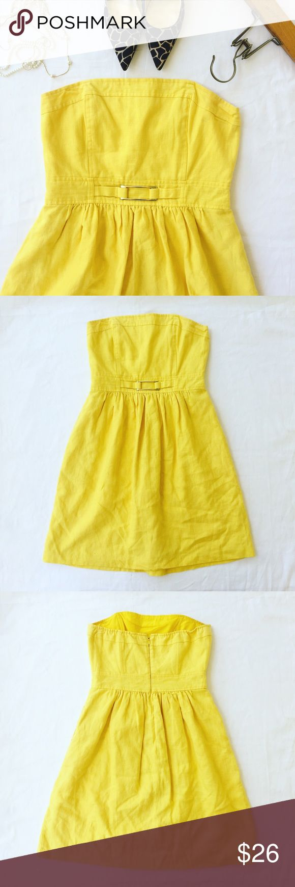Banana Republic | Linen Sundress Sunshine Yellow Sunshine yellow Strapless Banana Republic dress in size 8. Linen and cotton blended fabric. Clear rubber lining top to prevent slipping. Boning in Top for shaping and fit. Gold colored metal detail on waist. Zipper closure in back. Cotton lining inside of dress. Dress falls just above the knee. Like new condition, ready to ship next business day! Banana Republic Dresses Strapless