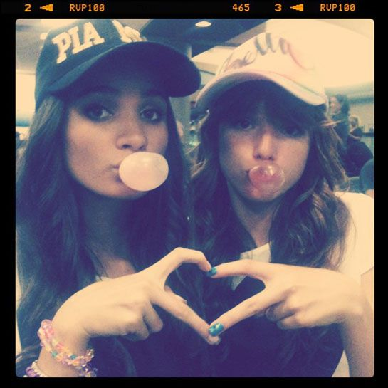 bella thorne with best friends photos  | Bella Thorne and Pia Mia: Bubblegum Besties | BOP and Tiger Beat ...