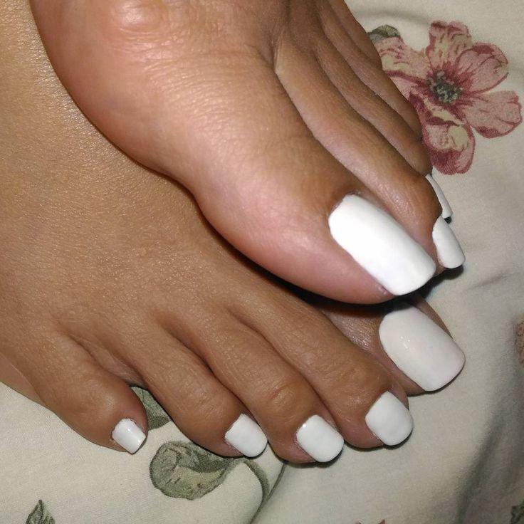 loving ebony ass, feet and more : Photo