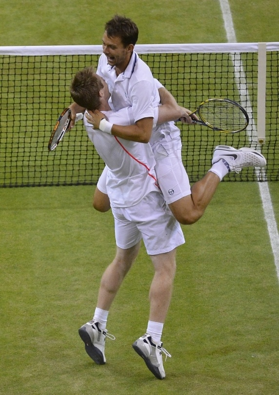 Wildcard duo Marray/Nilsen after their win in the Wimbledon 2012 final.