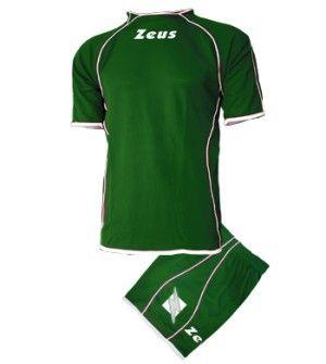 Zöld-Fehér Zeus Shox Focimez Szett tartós, kényelmes, kopásálló, színtartó, könnyen száradó, egyedi gallér, karcsúsított vonalvezetésű, egyszerű és nagyszerű focimez szett. Zöld-Fehér Zeus Shox Focimez Szett 6 méretben és további 6 színkombinációban érhető el. - See more at: http://istenisport.hu/termek/zold-feher-zeus-shox-focimez-szett/#sthash.q4vsltai.dpuf