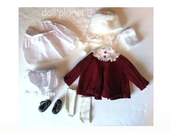 "Vintage 14"" porseleinen pop clothes - Ashton Drake mode rood fluwelen jurk, sokken, zwarte schoenen van Mary Jane Faux Fur Muff & hoed"