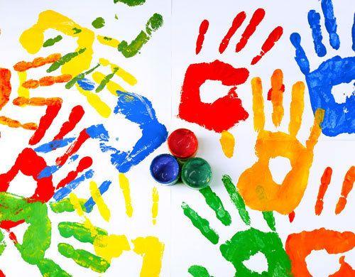 Ujjfestés, kézlenyomat, talplenyomat: így készítsetek színes képeket egyszerűen! 12 kreatív ötlet, amit imádni fog a gyerek